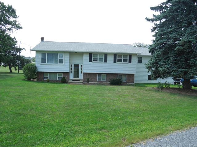 3014 Masters Hill Rd, Fogelsville, PA 18051