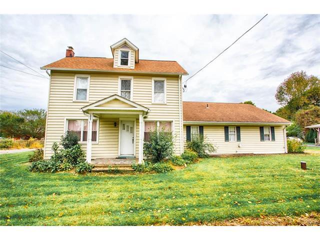 2863 N Delaware Dr, Mount Bethel, PA 18343