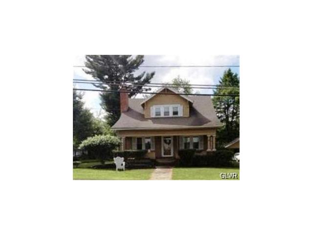 2958 N Delaware Dr, Mount Bethel, PA 18343