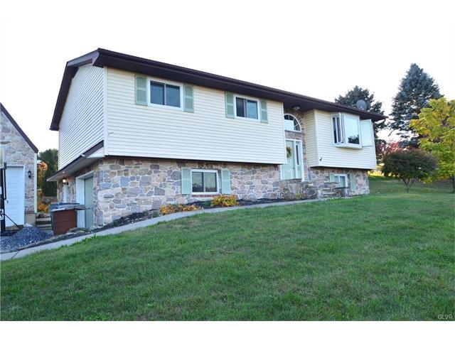 3987 Cedar Dr, Walnutport, PA 18088