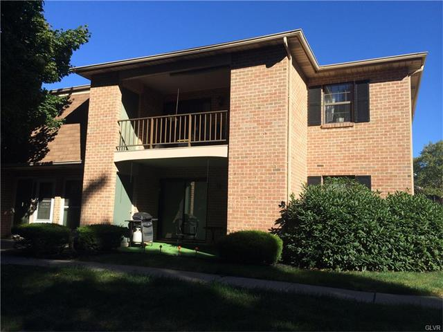 2678 Rolling Green Pl, Macungie, PA 18062