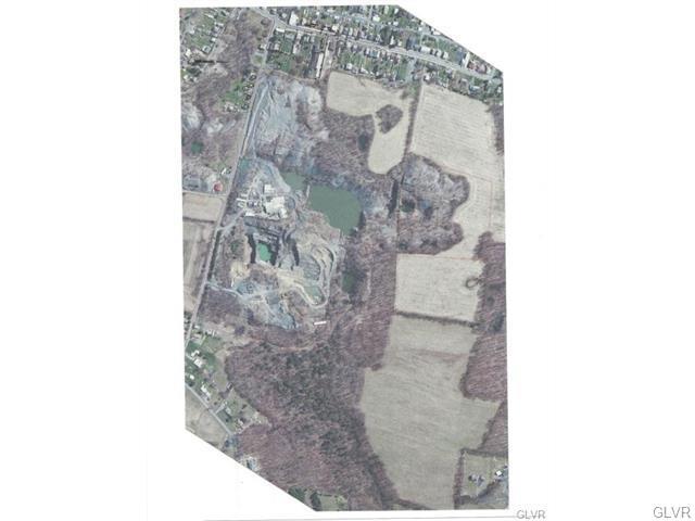 8450 Brown St, Slatington, PA 18080