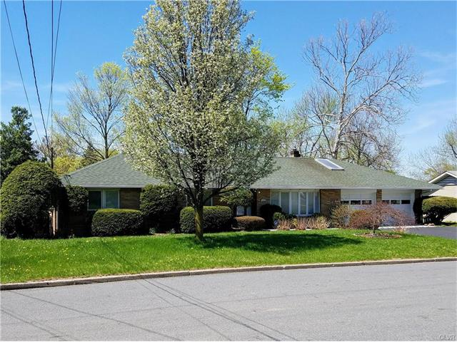 322 S 4th St, Coopersburg, PA 18036