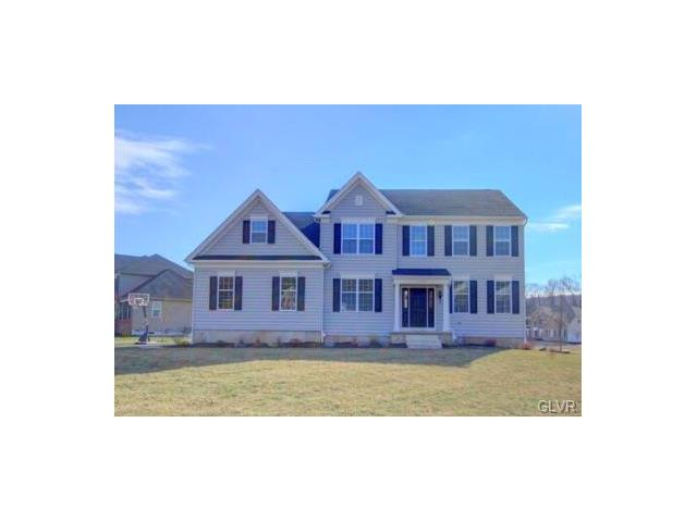 6125 Blue Belle Dr, Center Valley, PA 18034