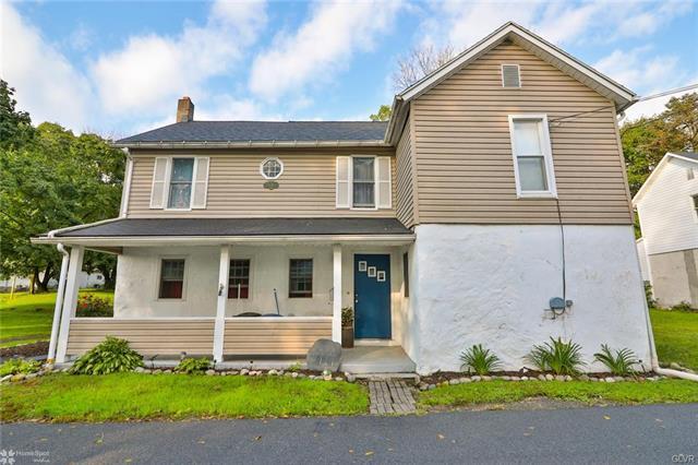 414 Maple Street Roseto, PA 18013