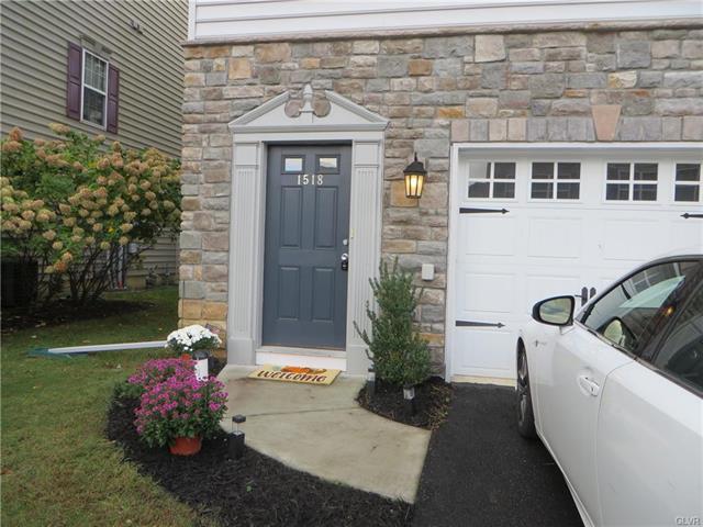 1518 Brookstone Place Hellertown, PA 18055
