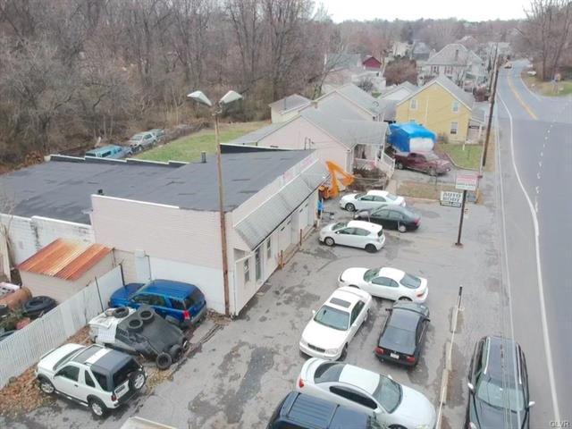 1665 Freemansburg Avenue Bethlehem, PA 18020