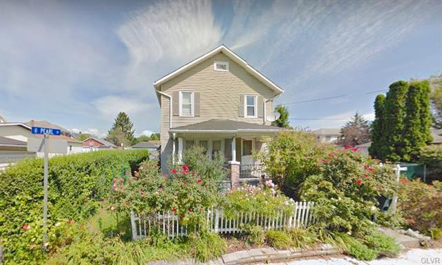 209 Oak Street Nazareth Borough, PA 18064