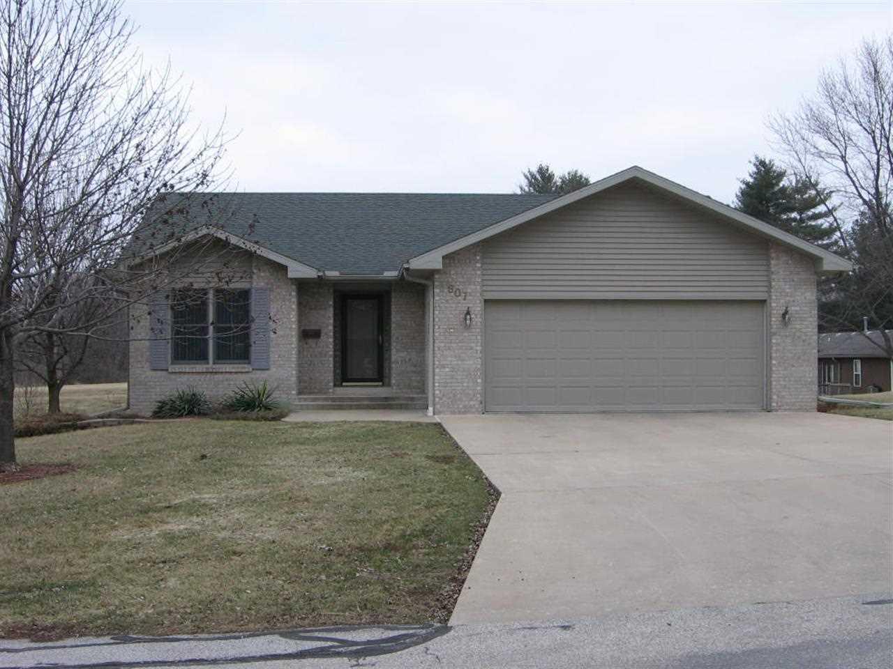 Real Estate for Sale, ListingId: 30808190, MacOmb,IL61455