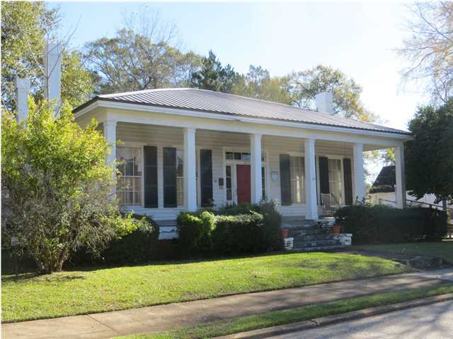 Photo of 323 HICKORY Street  Greenville  AL