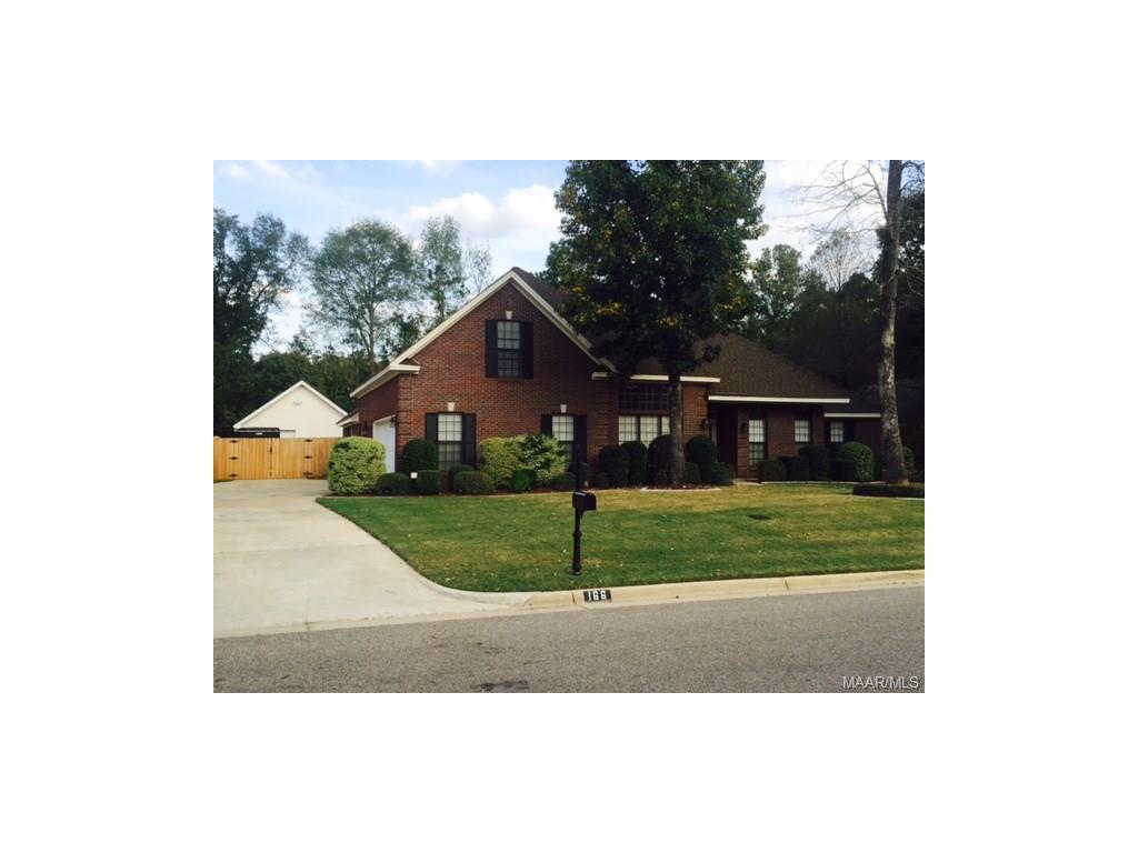 166 Live Oaks Dr, Millbrook, AL 36054