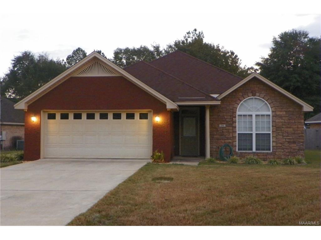 34 Homewood Ct, Millbrook, AL 36054