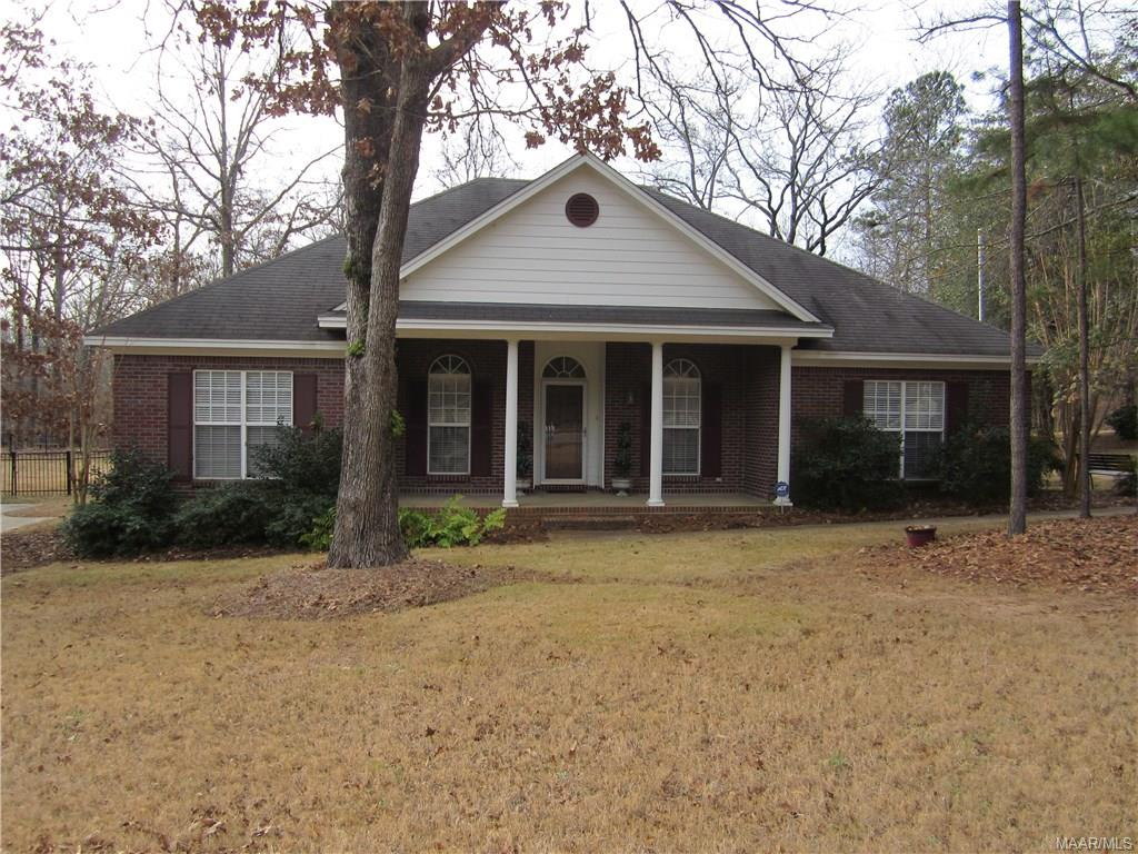 Photo of 429 HICKORY Place  Wetumpka  AL