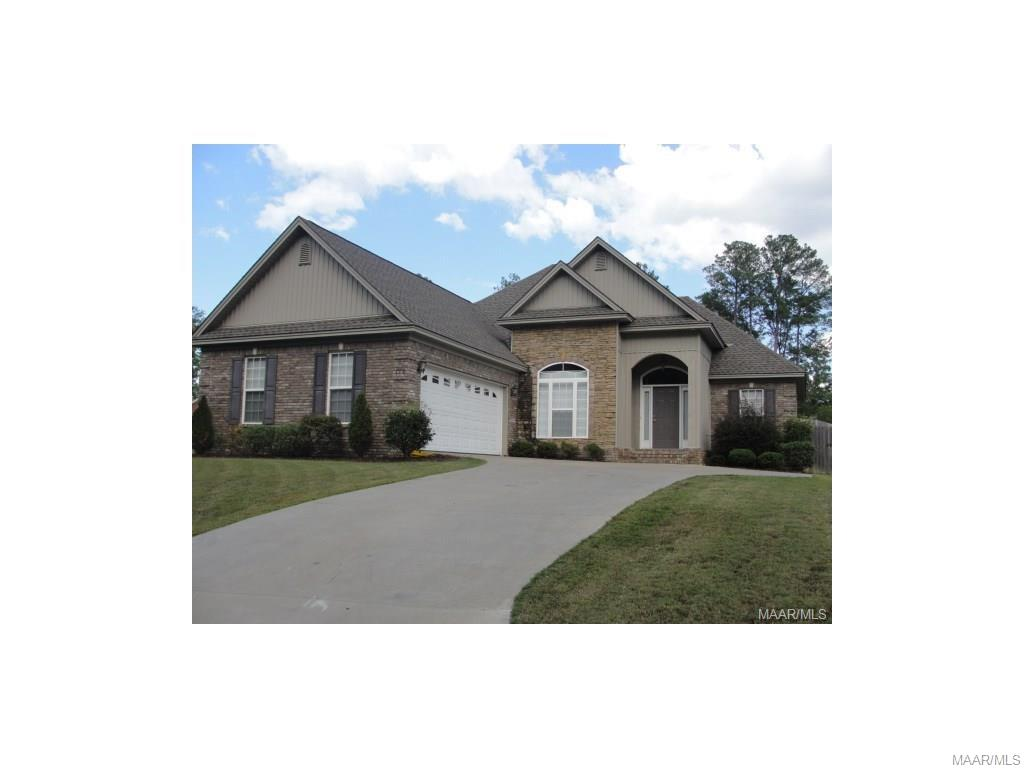 Photo of 176 Brownstone Loop  Elmore  AL