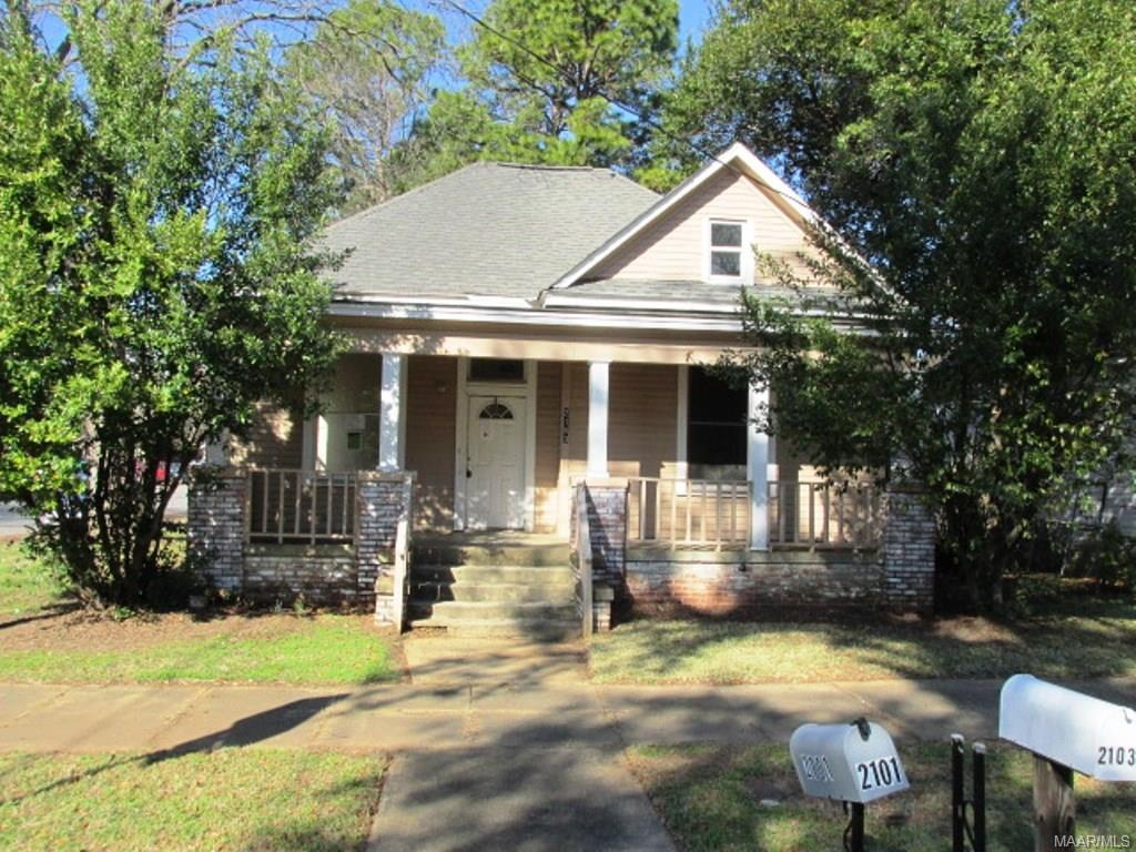 One of Montgomery Homes for Sale at 2103 Plum Street