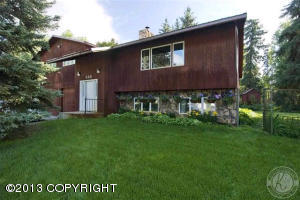 565 Donham Dr, Fairbanks, AK 99709