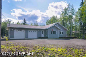 2319 Moonlight Dr, North Pole, AK 99705
