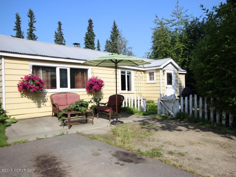 820 Andrew St, Fairbanks, AK 99701