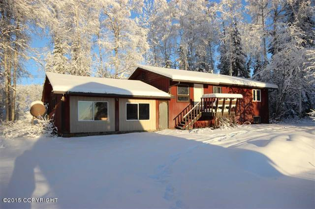 673 Farmers Loop Rd, Fairbanks, AK 99712