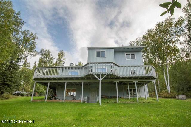 378 Crestmont Dr, Fairbanks, AK 99709