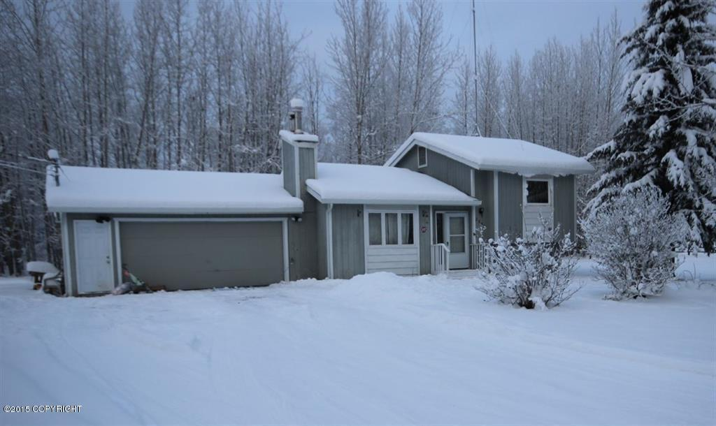 2638 Clydesdale Dr, North Pole, AK 99705