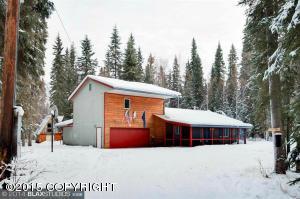 660 Canoro Rd, North Pole, AK 99705