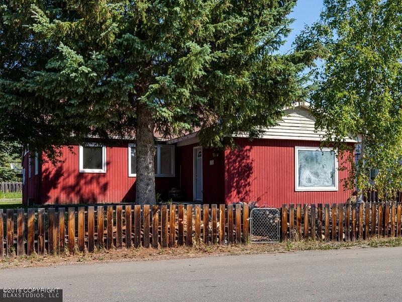 325 Spruce St, Fairbanks, AK 99709