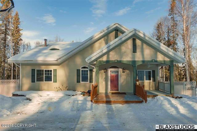 816 Woodcrest Ct, Fairbanks, AK 99712