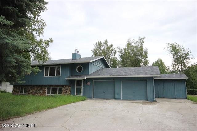 1443 Moore St, Fairbanks, AK 99701