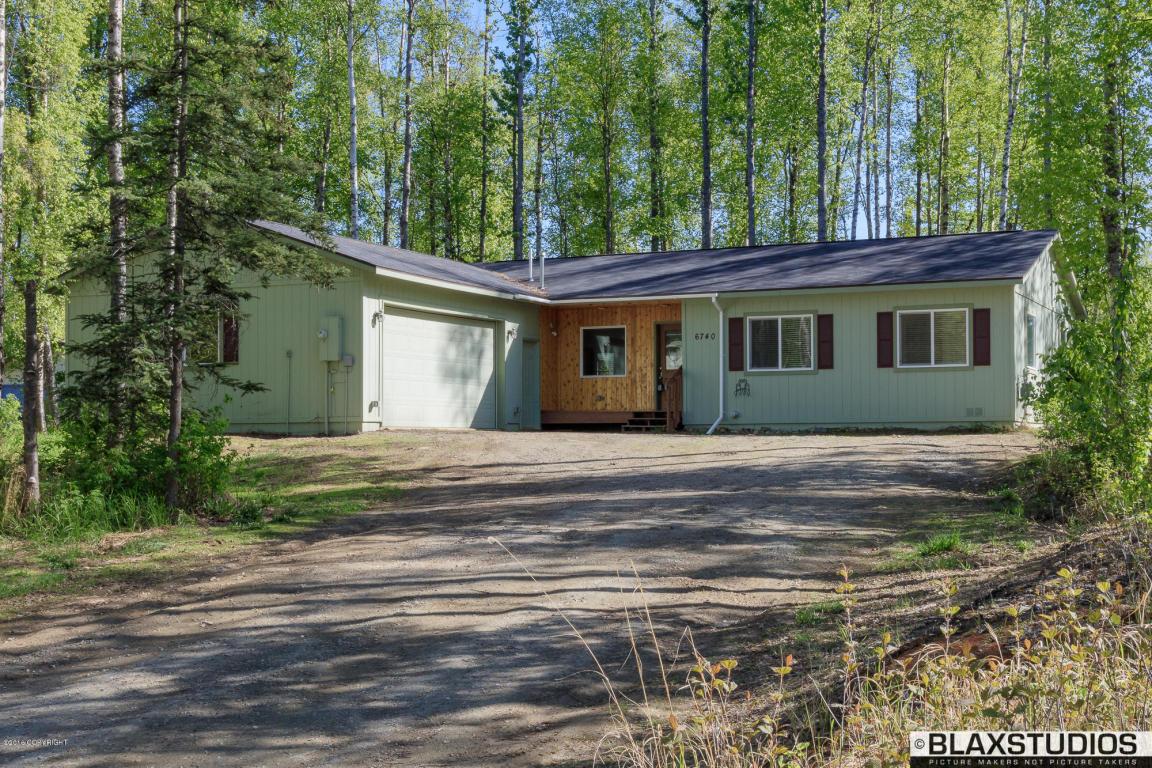 6740 W Commadore Lane, Wasilla in  County, AK 99654 Home for Sale