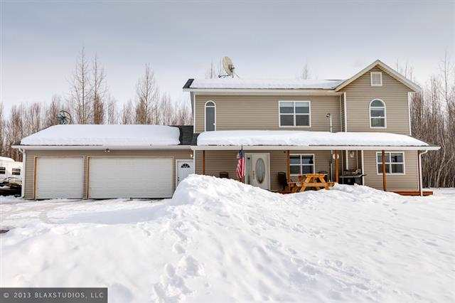 2645 Houghton Hill Dr, North Pole, AK 99705