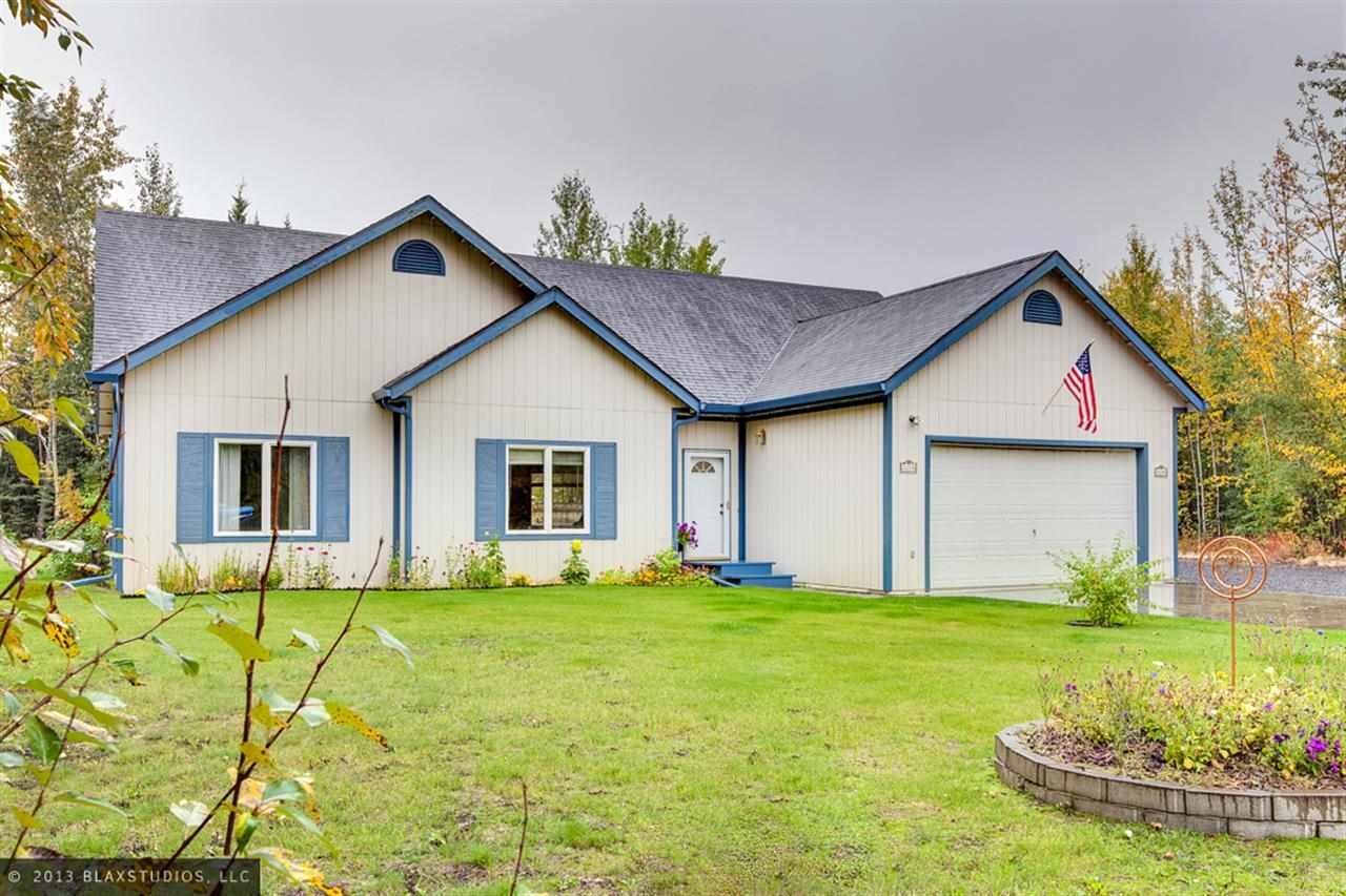 1210 Calla Lily Ct, North Pole, AK 99705