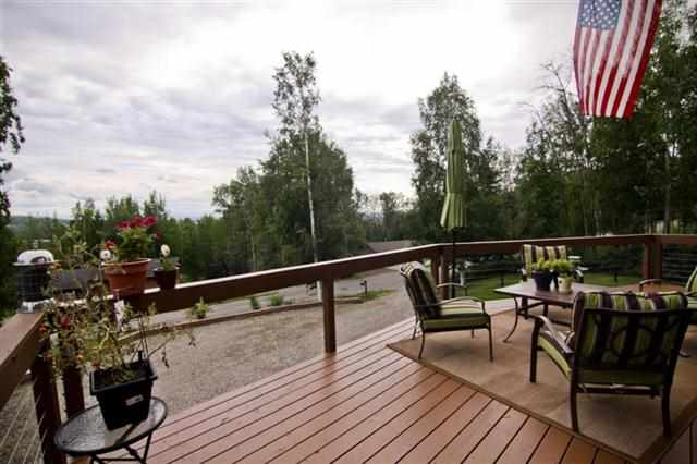 424 Valley View Dr, Fairbanks, AK 99712