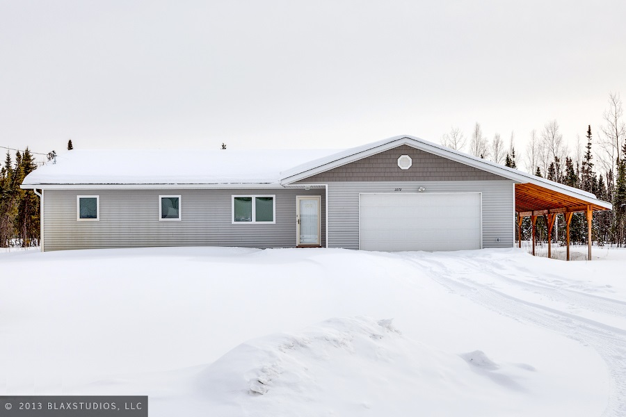 2272 Mavencamp Cir, North Pole, AK 99705