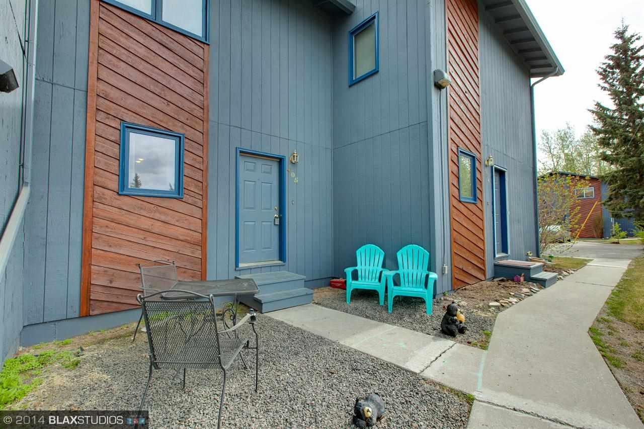 1028 Dogwood St, Fairbanks, AK 99709