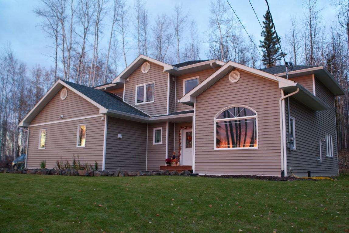 1180 Range View Rd, North Pole, AK 99705