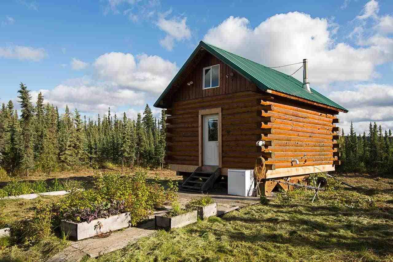 190 Thoreau Dr, Fairbanks, AK 99712
