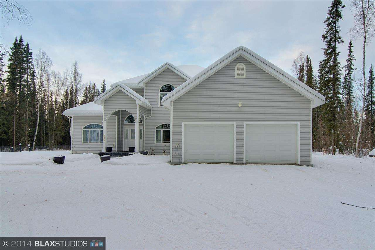 2255 Granite Dr, North Pole, AK 99705