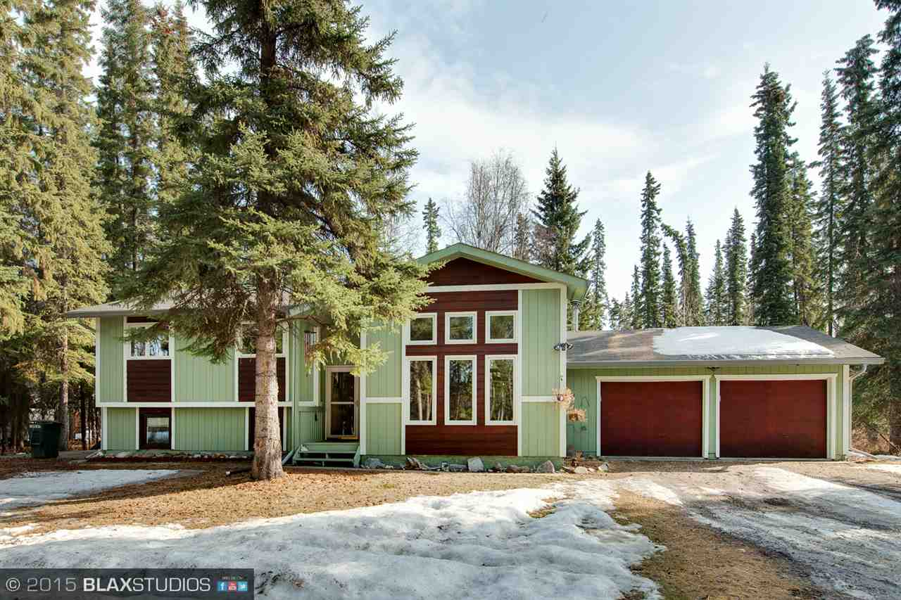 2545 Carrie Lynn Dr, North Pole, AK 99705