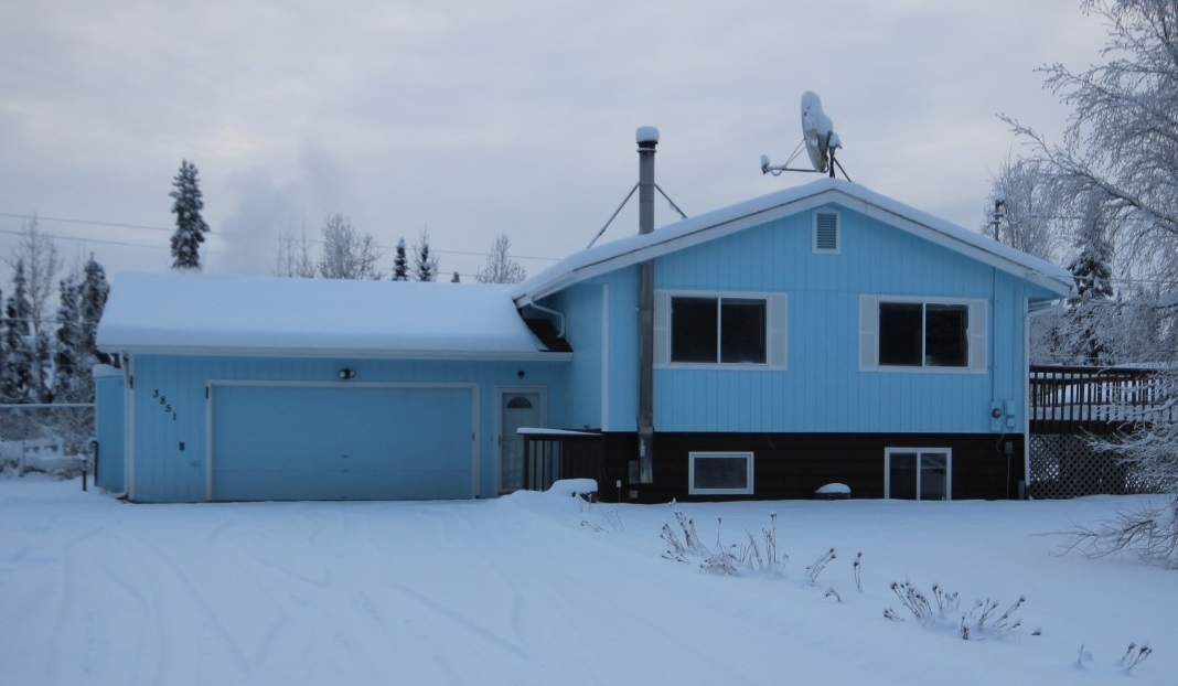 3851 Lakewood Loop, North Pole, AK 99705
