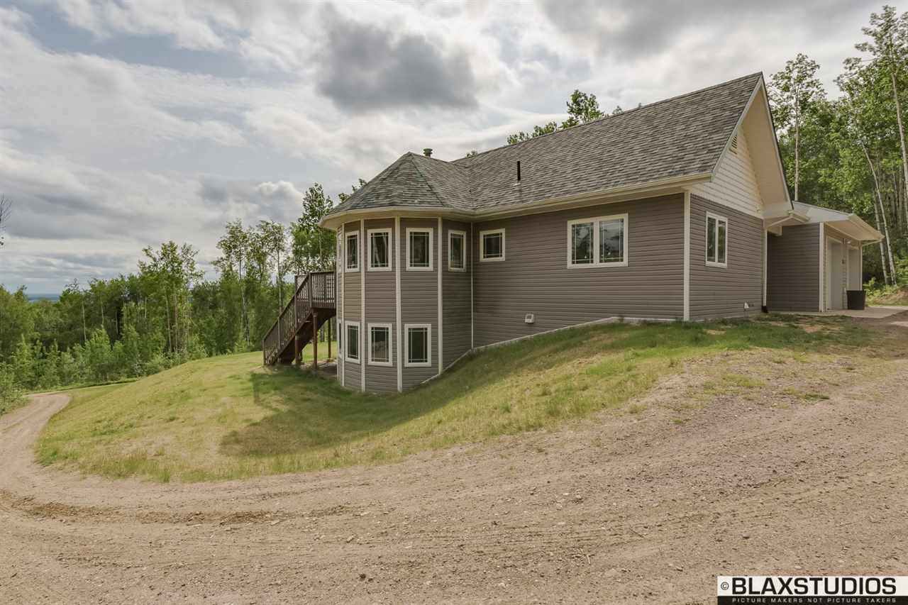 3186 Forrest Dr, Fairbanks, AK 99709