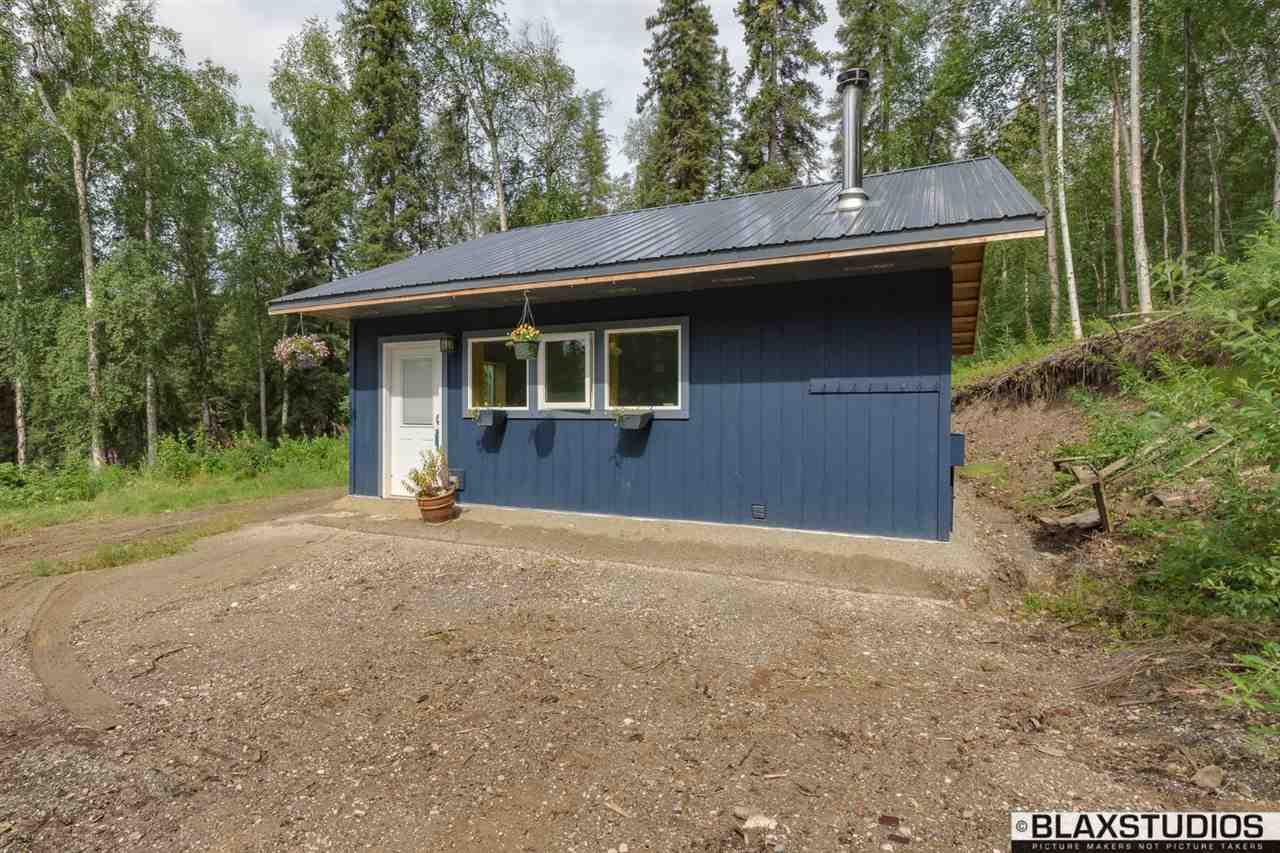 1569 Snowbasin Rd, Fairbanks, AK 99709