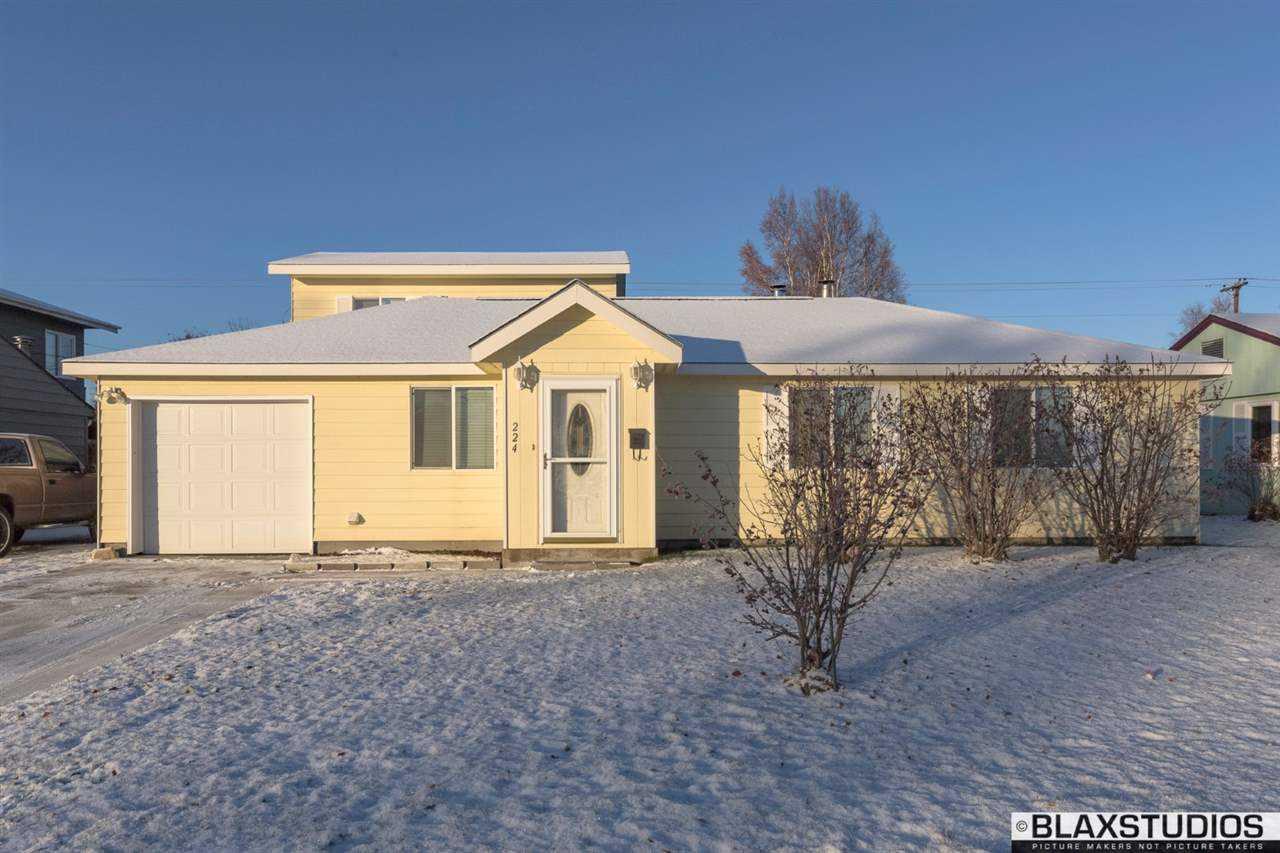 224 Slater Dr, Fairbanks, AK 99701