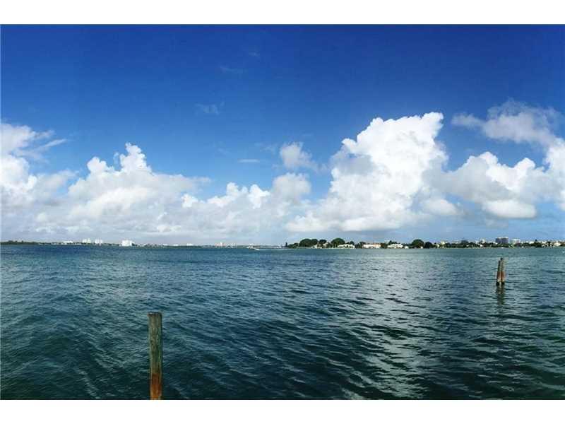 7972 Biscayne Point Cir, Miami, FL 33141