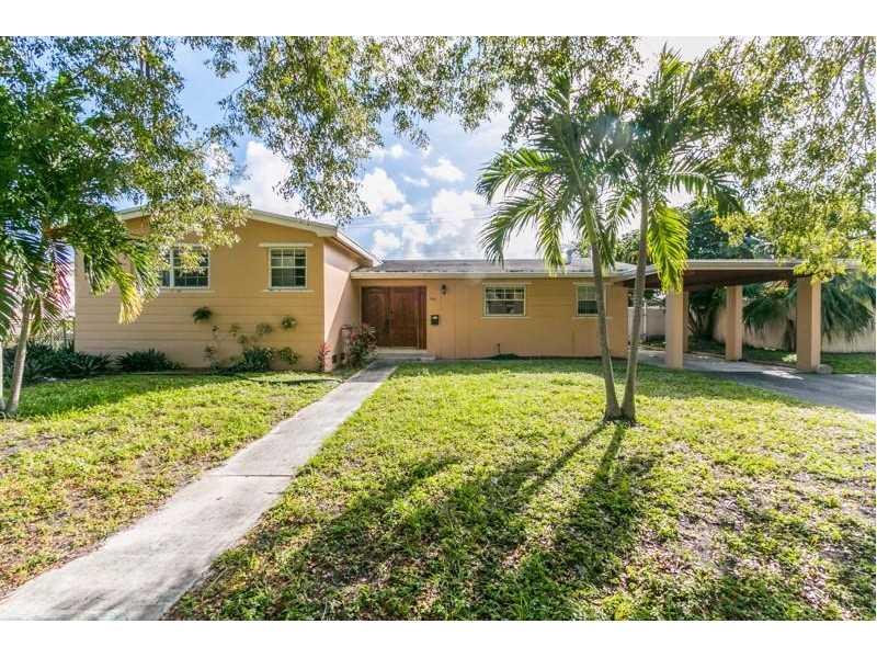 1080 Ne 178th Ter, North Miami Beach, FL 33162