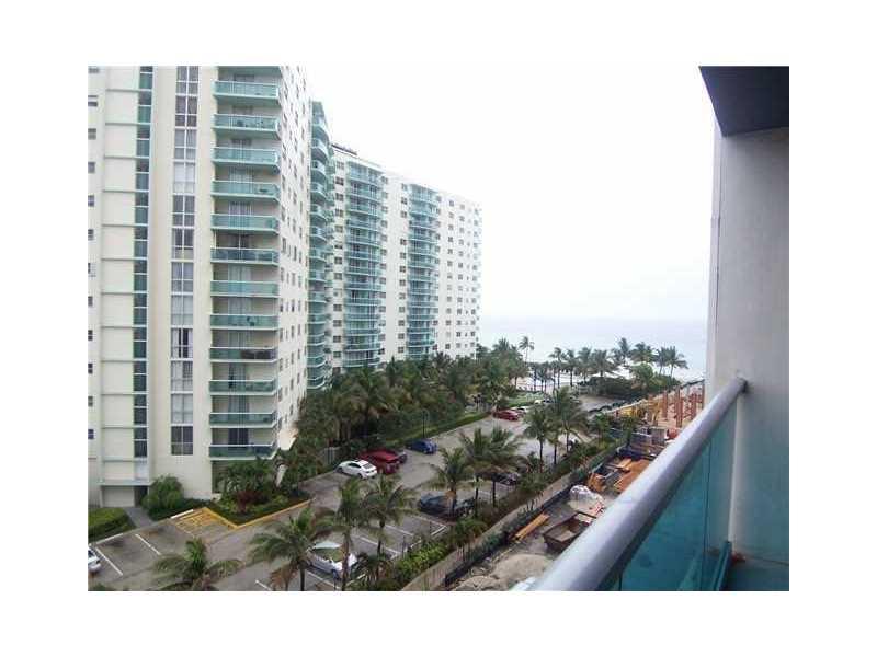 Real Estate for Sale, ListingId: 36732393, Hollywood,FL33019