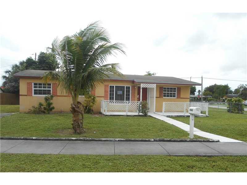 2460 NW 208th St, Miami Gardens, FL 33056