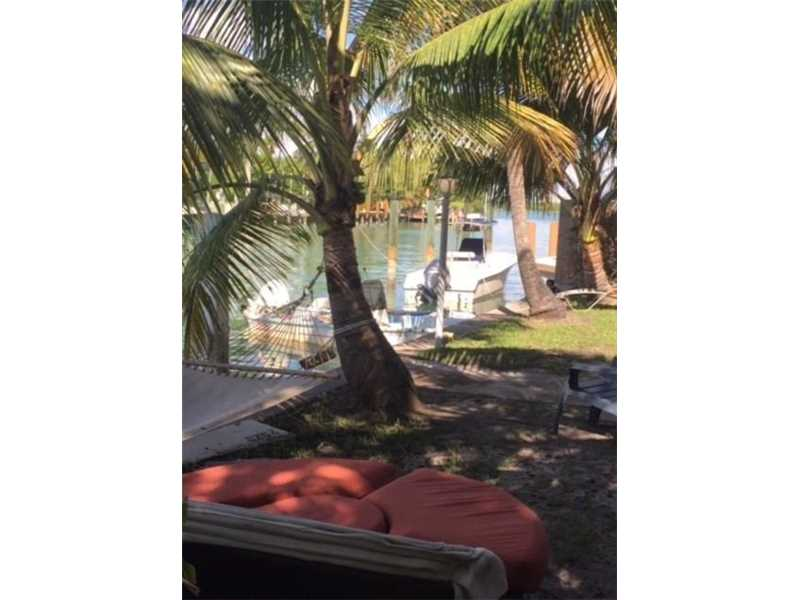 10084 W Bay Harbor Dr, Bay Harbor Islands, FL 33154