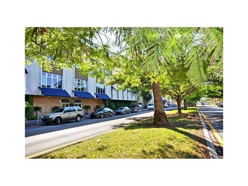 717 Ponce De Leon Blvd # 301, Coral Gables, FL 33134
