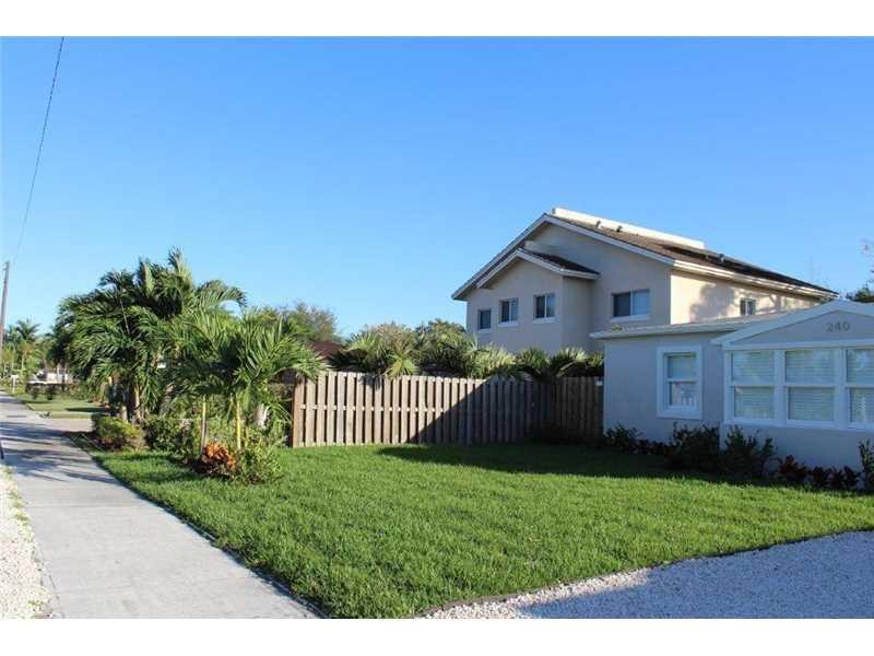 240 Sw 22nd St, Fort Lauderdale, FL 33315